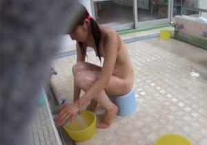 【 盗撮動画 】銭湯に通うオバちゃんに頼み込んでロリ美少女達を隠し撮りして貰ったwww