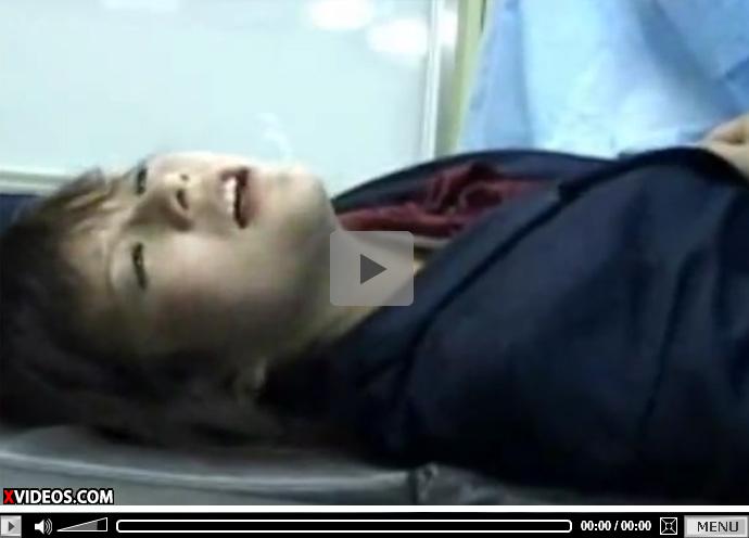 【 盗撮動画 】ショートカット制服JKが産婦人科で悪徳医師におまんこ弄られ半泣きパニックになり生中出しwww