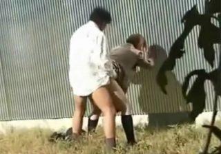 【 隠撮動画 】発情期の高校生カップルが野外セックス⇒チンポをしゃぶって立ちバックで喘ぎ声が響き渡るwww
