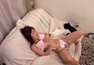 【 盗撮動画 】美人お姉ちゃんが電マオナニーでアへ顔を晒してガチイキする様子を覗き見www