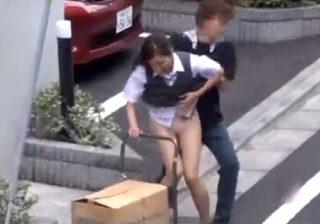 【 盗撮動画 】OLお姉さんのタイトスカートを捲る悪戯…パンスト越しパンツ丸出しで必死に抵抗www