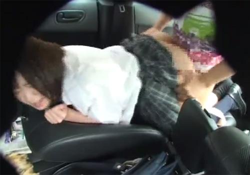 【 盗撮動画 】近所に住む美少女JKを車で送ってる最中にムラムラしたお兄さんが路駐させてカーセックスwww