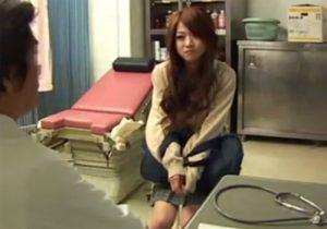 【病院盗撮動画】産婦人科に治療に来たギャルJKをセクハラ診察する変態医師の極悪映像!!!