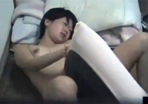 【オナニー隠撮動画】美人お姉ちゃんが妄想しながら枕にマンコを擦り付け昇天してるwww
