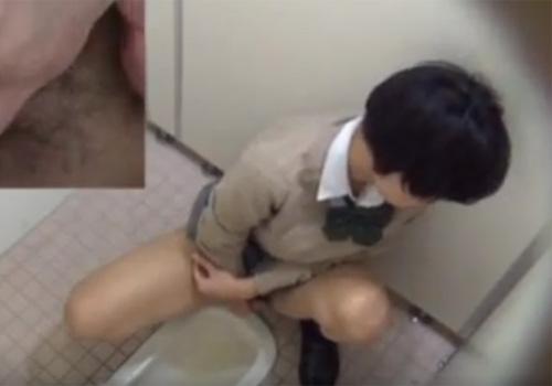 【無修正盗撮動画】ロリ顔の制服JKが公衆トイレで放尿後にオナニーして身体の火照りが止まらないwww