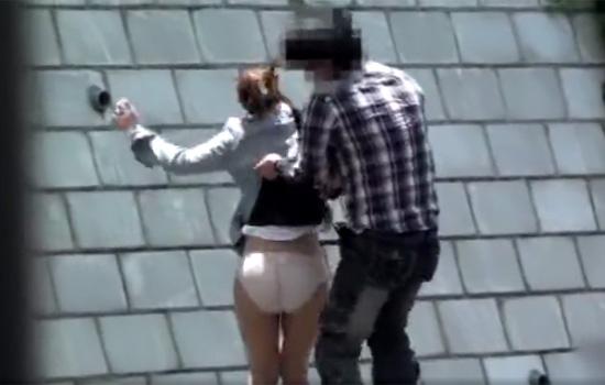 【悪戯盗撮動画】オフィス街でOLさん達をターゲットにタイトスカートを捲り上げ下着を激撮www
