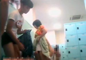 【JC盗撮動画】ロリ学生たちが通ってる銭湯の脱衣所と洗い場で未発育な裸体を隠し撮りwww