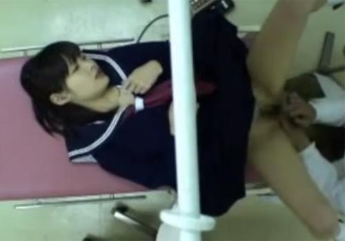 【産婦人科盗撮動画】美少女JCの羞恥心を煽るような猥褻診察を行うロリコン変態医師www