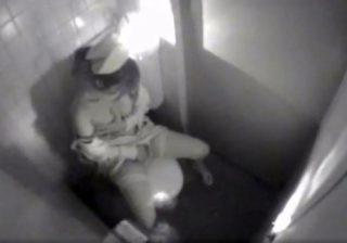 【ナース隠撮動画】院内女子トイレで美人看護師のオナニータイムを隠し小型カメラが捉えたwww