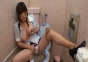 【OLオナニー盗撮動画】オフィスビルのトイレで巨乳お姉さんが性欲処理に耽る様子を隠し撮り!